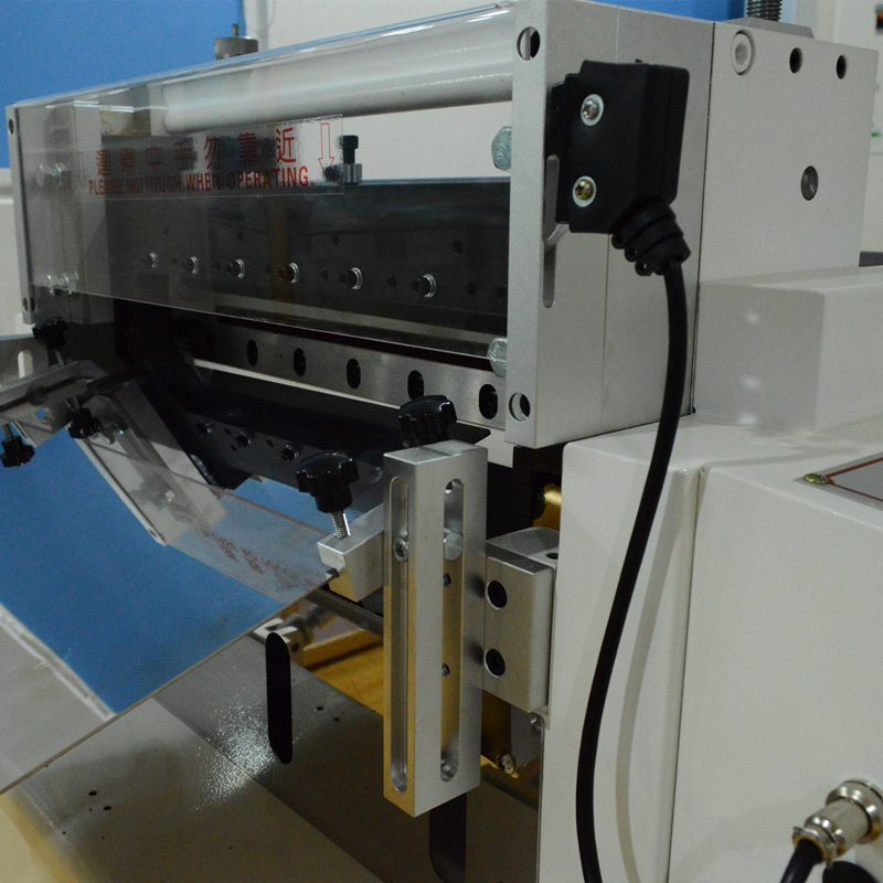 High Speed Cutting Machine with Photoelectricity Tracing